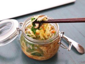 20140929-instant-noodles-diy-recipe-sesame-miso-vegetable-15