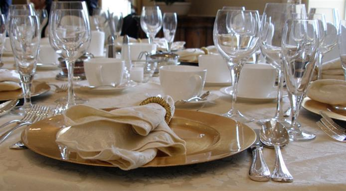 l_12419_table-setting.jpg